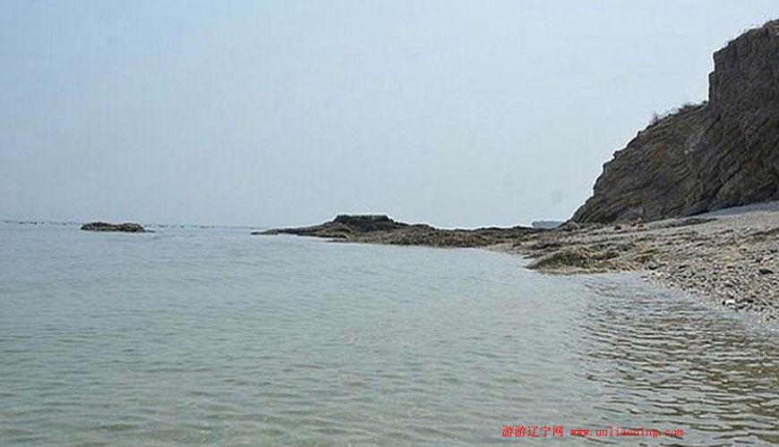大连旅游 大连海岛浴场 正文      长海格仙岛位于大连市长海县黄海