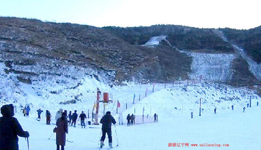 龙湾海滨滑雪场