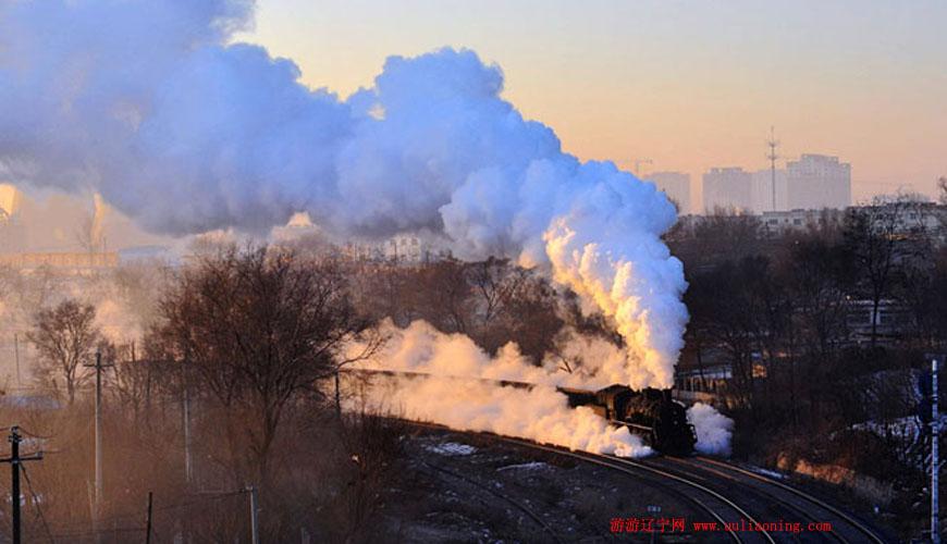 铁岭蒸汽机车旅游节开幕